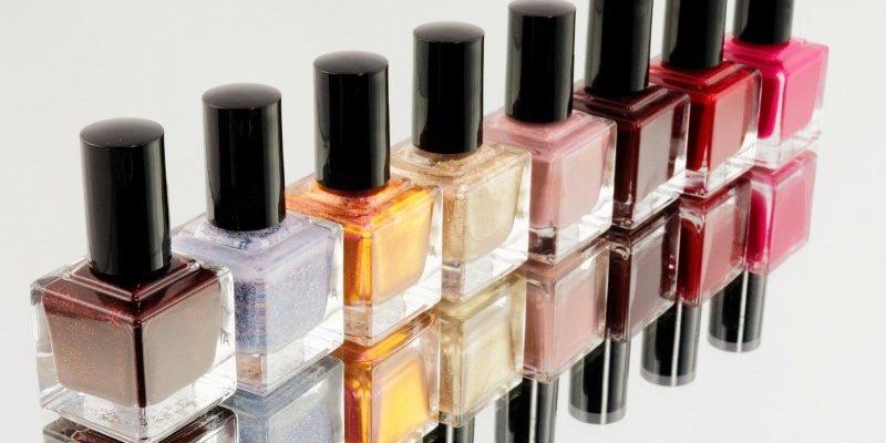 Moda smalti colorati per le unghie